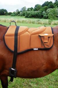 09-bareback_pad_western_style_horse